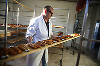 Bottarga di muggine- azienda l'oro di Cabras dei fratelli Manca fasi di essiccazione
