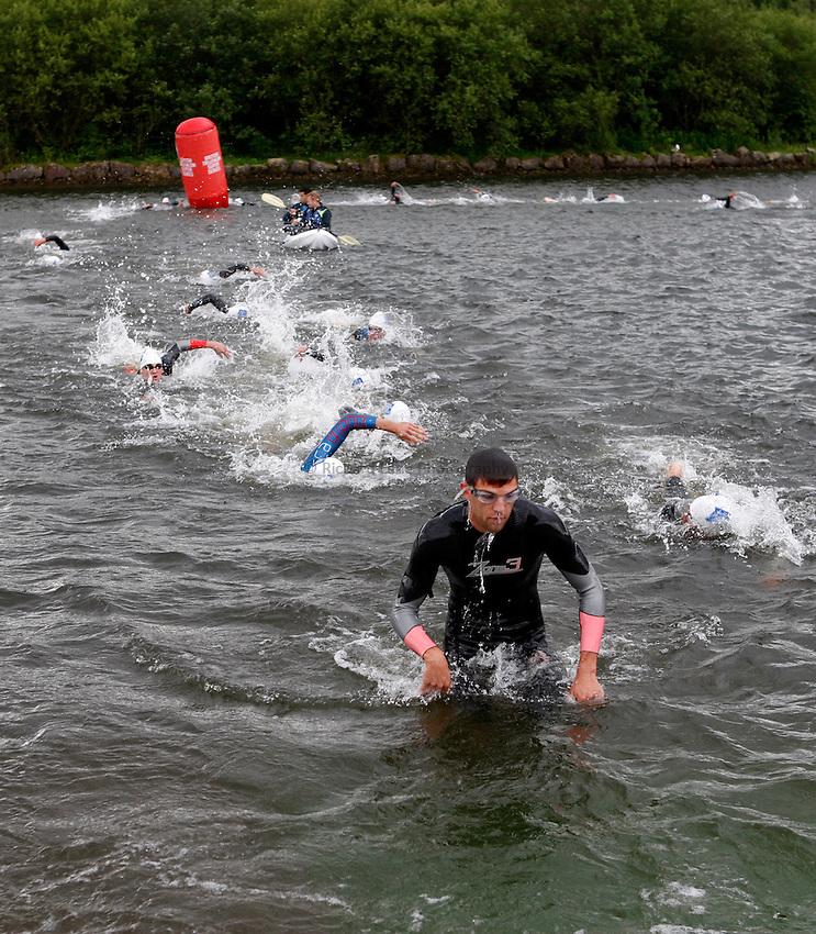 Photo: Richard Lane/Richard Lane Photography. British Triathlon Super Series, Parc Bryn Bach. 18/07/2009. Men's Elite Race swimming exit.