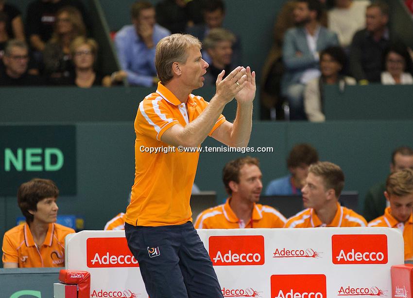 Switserland, Genève, September 18, 2015, Tennis,   Davis Cup, Switserland-Netherlands, Dutch Captain Jan Siemerink reacts<br /> Photo: Tennisimages/Henk Koster