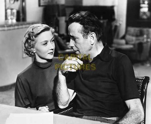 Gloria Grahame & Humphrey Bogart.in In a Lonely Place.*Filmstill - Editorial Use Only*.CAP/PLF.Supplied by Capital Pictures.