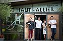 1/07/18 - PONT D ALLEYRAS - HAUTE LOIRE - FRANCE - Etablissement Le Haut Allier. Philippe, Michelle, Clement et Camille Brun, une etoile au Michelin - Photo Jerome CHABANNE