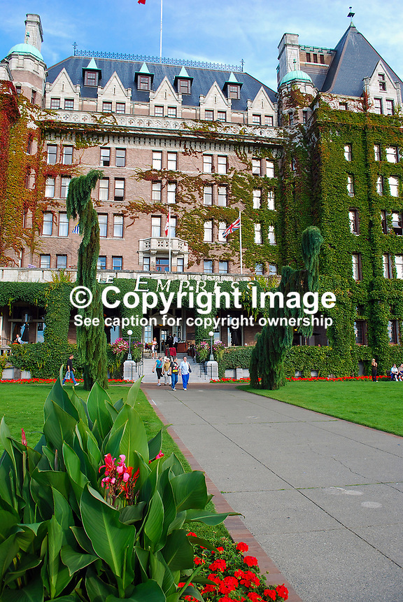 Empress Hotel, waterfront, Victoria, British Columbia, Canada, 200809081083..Copyright Image from Victor Patterson, 54 Dorchester Park, Belfast, N Ireland, BT9 6RJ...Tel: +44 28 9066 1296.Mob: +44 7802 353836.Email: victorpatterson@mac.com..IMPORTANT: Go to www.victorpatterson.com and click on Terms & Conditions
