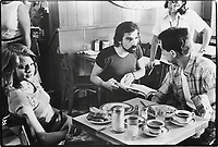 Taxi Driver (1976)<br /> Behind the scenes photo of Robert De Niro, Jodie Foster &amp; Martin Scorsese<br /> *Filmstill - Editorial Use Only*<br /> CAP/KFS<br /> Image supplied by Capital Pictures