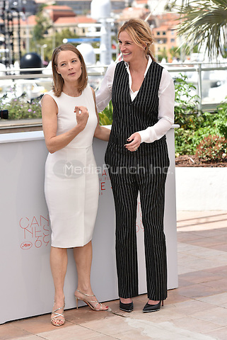 Jodie Foster and Julia Roberts at 'Money Men' photocell during the 69th International Cannes Film Festival, France<br /> May 12, 2016<br /> CAP/PL<br /> &copy;Phil Loftus/Capital Pictures /MediaPunch ***NORTH AMERICA AND SOUTH AMERICA ONLY***