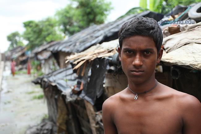 Slum area near Kolkata, India..Photo by Matt Cashore/University of Notre Dame