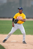 January 17, 2010:  Kenny Peoples (Los Angeles, CA) of the Baseball Factory California Team during the 2010 Under Armour Pre-Season All-America Tournament at Kino Sports Complex in Tucson, AZ.  Photo By Mike Janes/Four Seam Images