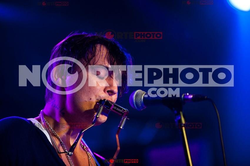 ROME, IT - SEPTEMBER 13: Pete Doherty in concert in Rome,Italy. September 13, 2012. Credit: Alessandro Serrano/ AGF / MediaPunch Inc. ***NO ITALY*** /NortePhoto.com<br /> <br /> **CREDITO*OBLIGATORIO** *No*Venta*A*Terceros*<br /> *No*Sale*So*third*...