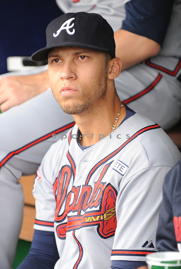 Atlanta Braves Andrelton Simmons (19) during a game against the Washington Nationals on September 10, 2014 at Nationals Park in Washington DC. The Braves beat the Nationals 6-2.
