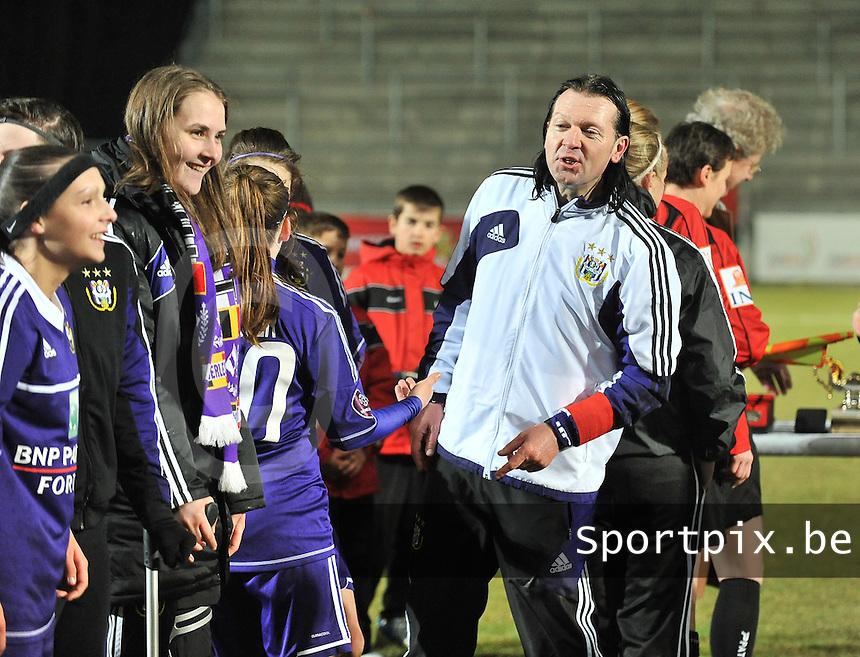 Waasland Beveren Sinaai Girls - RSC Anderlecht : Anderlecht trainer Filip De Winne.foto DAVID CATRY / Nikonpro.be