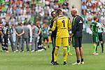 15.07.2017, Borussia Park, Moenchengladbach, GER, TELEKOM CUP 2017 - Borussia Moenchengladnach vs SV Werder Bremen<br /> <br /> im Bild<br /> Alexander Nouri (Trainer SV Werder Bremen) umarmt Jiri Pavlenka (Werder Bremen #1) vor dem Elfmeterschiessen, Christian Vander (Torwart-Trainer SV Werder Bremen), <br /> <br /> Foto &copy; nordphoto / Ewert