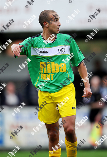 2011-08-13 / Voetbal / seizoen 2011-2012 / Sint-Lenaarts / Tarik Traizi..Foto: mpics