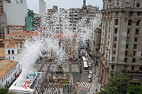 Fifty thousand biodegradable balloons are released by Sao Paulo's Commercial Association (ACSP) at Patio do Collegio, the historical Jesuit church and school founded in 1554 as the foundation of the city, Sao Paulo, Brazil, on December 28, 2012. An office boy first released 100 balloons in 1992 and the event then turned into tradition for celebrating New Year when ACSP took over. (FOTO: AMAURI NEHN / BRAZIL PHOTO PRESS).