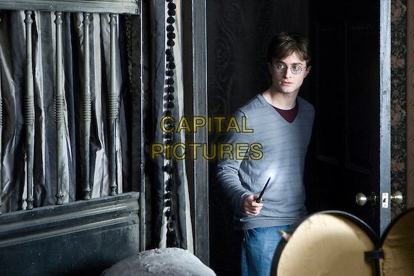 DANIEL RADCLIFFE .in Harry Potter and the Deathly Hallows: Part I.one 1.*Filmstill - Editorial Use Only*.CAP/FB.Supplied by Capital Pictures.