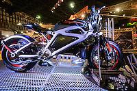 SÃO PAULO, SP, 06.10.2015 - DUAS-RODAS - Harley Davidson Livewire durante abertura para imprensa no Salão Duas Rodas no Anhembi região norte da cidade de São Paulo nesta terça-feira, 06. (Foto: Vanessa Carvalho/Brazil Photo Press)