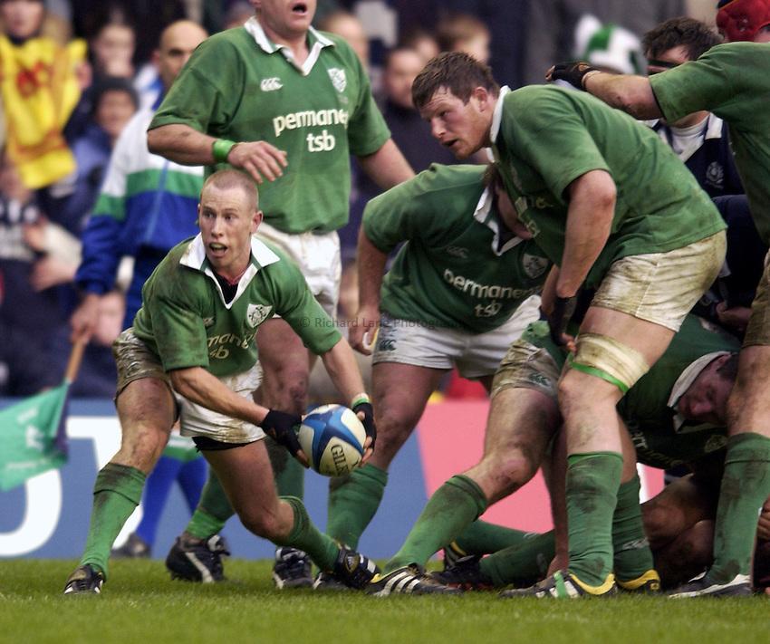 Photo. Jed Wee.Scotland v Ireland, Rugby Union Six Nations Championship, Murrayfield, Edinburgh. 16/02/2003..Ireland's Peter Stringer (L).