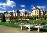 France, Fontainebleau, chateau, Seine-et-Marne, Ile de France, Europe, The gardens at Chateau de Fontainebleau a 12th-century palace.