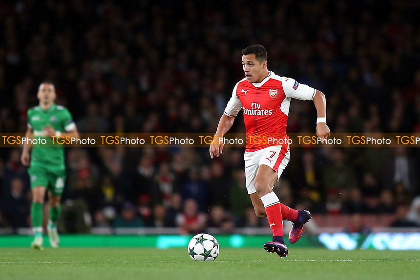 Alexis Sanchez of Arsenal in action during Arsenal vs Ludogorets Razgrad, UEFA Champions League Football at the Emirates Stadium on 19th October 2016