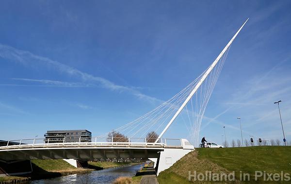 Nederland Hoofddorp  2017.  De Luit. De brug is ontworpen door Calatrava.  Foto Berlinda van Dam / Hollandse Hoogte