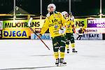 Stockholm 2013-12-03 Bandy Elitserien Hammarby IF - Ljusdals BK :  <br /> Ljusdal Tobias Bj&ouml;rklund ser nedst&auml;md ut efter matchen<br /> (Foto: Kenta J&ouml;nsson) Nyckelord:  depp besviken besvikelse sorg ledsen deppig nedst&auml;md uppgiven sad disappointment disappointed dejected