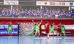 Eskilstuna 2014-05-15 Handboll SM-semifinal Eskilstuna Guif - Alings&aring;s HK :  <br /> Alings&aring;s supportrar p&aring; ena kortsidan i Sporthallen bakom ett n&auml;t<br /> (Foto: Kenta J&ouml;nsson) Nyckelord:  Eskilstuna Guif Sporthallen Alings&aring;s AHK SM Semifinal Semi supporter fans publik supporters
