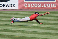 Batavia Muckdogs center fielder Ricardo Cespedes (32) makes a diving catch during a game against the Auburn Doubledays on June 17, 2018 at Falcon Park in Auburn, New York.  Auburn defeated Batavia 10-6.  (Mike Janes/Four Seam Images)