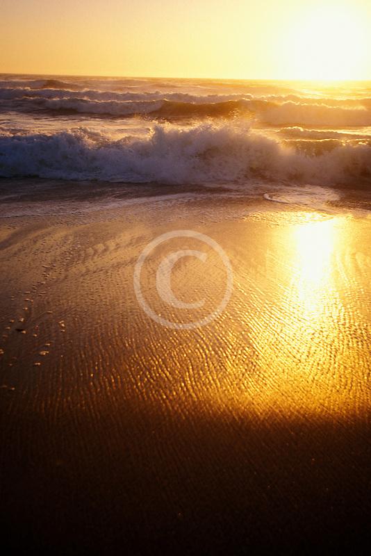 California, Moss Landing, Salinas River State Park, Beach at sunset