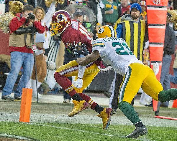 Washington Redskins wide receiver DeSean Jackson (11) is forced out-of-bounds just short of the goal line by Green Bay Packers free safety Ha Ha Clinton-Dix (21) during first quarter action of their NFC Wild Card game at FedEx Field in Landover, Maryland on Sunday, January 10, 2016.<br /> Credit: Ron Sachs / CNP/MediaPunch ***FOR EDITORIAL USE ONLY***