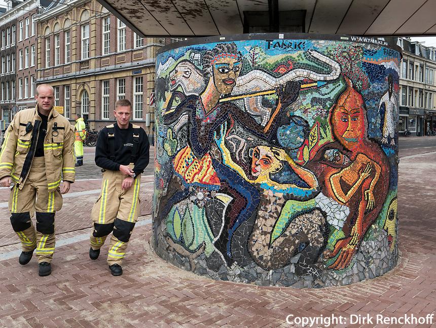 Graffiti am Albert Cuyp Markt  beim Rembrandsplein, Amsterdam, Provinz Nordholland, Niederlande<br /> Graffiti at Albert Cuyp Market  near Rembrandsplein, Amsterdam, Province North Holland, Netherlands
