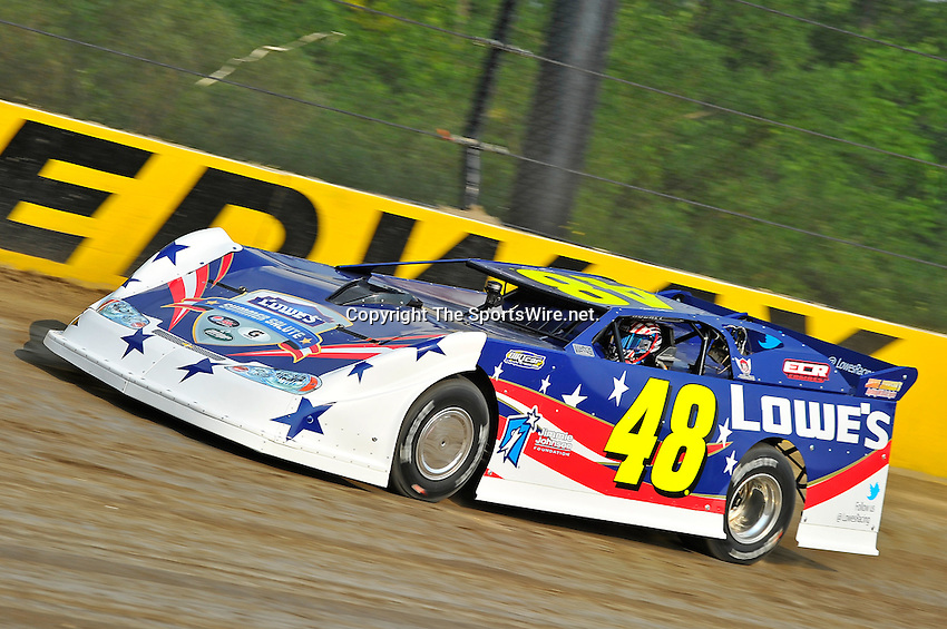 Jun 8, 2011; 6:36:53 PM; Rossburg, OH., USA; The 7th running of the Gillette Fusion ProGlide Prelude to the Dream  Dirt Late Models at the Eldora Speedway.  Mandatory Credit: (thesportswire.net)