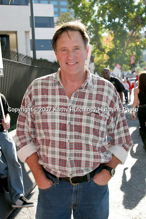 Robert Hays.Screen Actor's Guild Support the Writer's Guild of America Strike.Outside NBC/Universal Studios Lot.Lankershim Blvd.Los Angeles, CA.November 13, 2007.©2007 Kathy Hutchins / Hutchins Photo...               .
