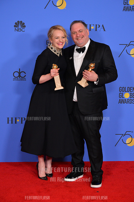 Elisabeth Moss Bruce Miller at the 75th Annual Golden Globe Awards at the Beverly Hilton Hotel, Beverly Hills, USA 07 Jan. 2018<br /> Picture: Paul Smith/Featureflash/SilverHub 0208 004 5359 sales@silverhubmedia.com