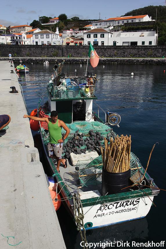 Fischer in Sao Mateus de Calheta auf der Insel Terceira, Azoren, Portugal