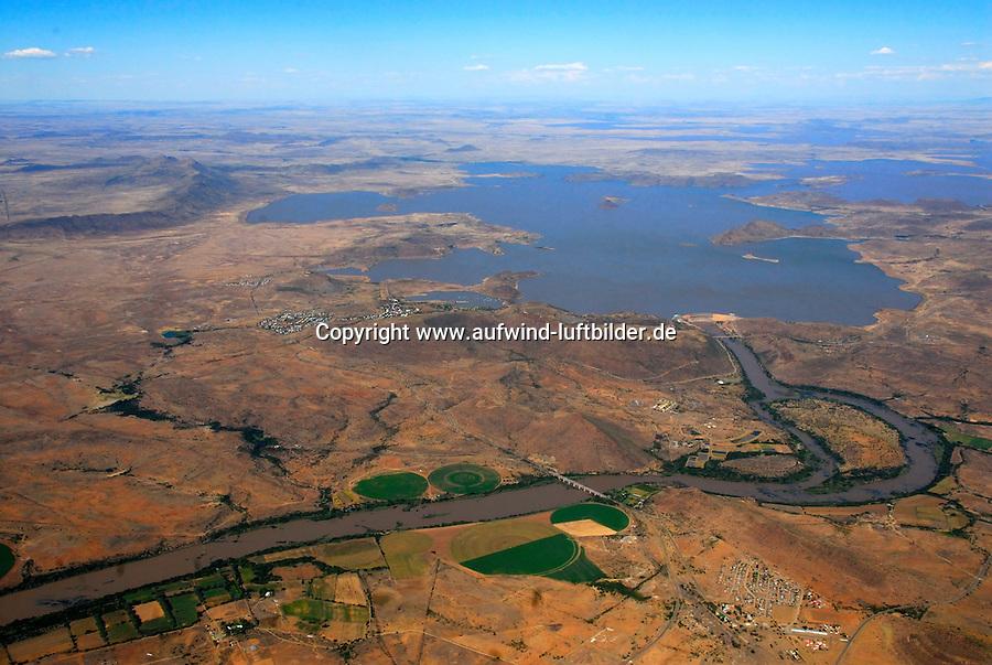4415 / Oranje: AFRIKA, SUEDAFRIKA, 12.01.2007:Wasserkraft am Orange River, Stromerzeugung, Wasserversorgung, Orange River Projekt, Oranje, Gariep, Bewaesserung, Wasserspeicher in der Wueste Karoo