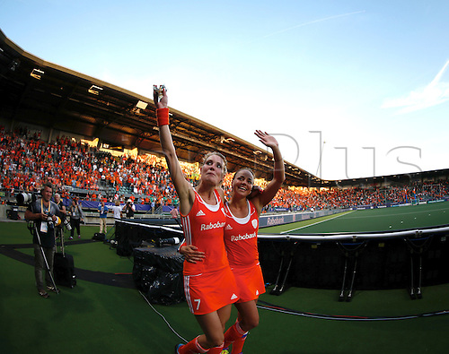 12.06.2014. The hague, Netherlands.  Willemijn Bos & Maartje Paumen. Netherlands versus Argentina, semi-final Womens  Rabobank Hockey World Cup 2014. The game ended 4-0 with Netherlands making the final