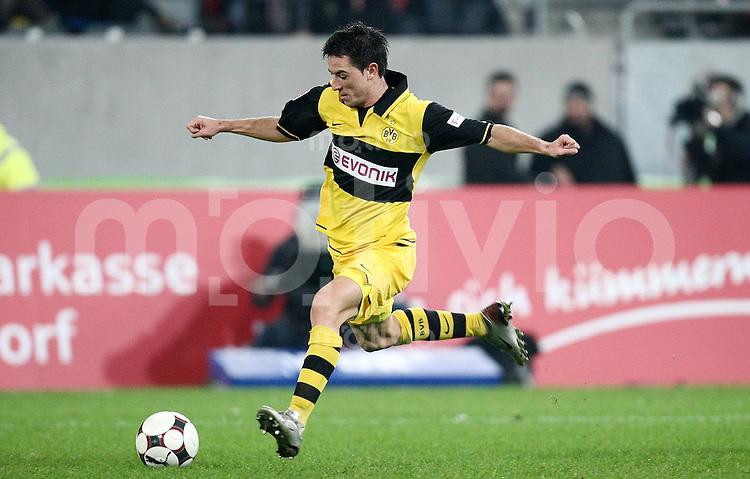 FUSSBALL     1. BUNDESLIGA     SAISON 2007/2008 Antonio RUKAVINA (Borussia Dortmund), Einzelaktion am Ball