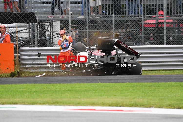 31.08.2018 , Monza, FORMULA 1 GRAN PREMIO HEINEKEN D'ITALIA 2018 - GRAND PRIX<br />  , im Bild<br /> Marcus Ericsson Unfall mit Überschlag<br /> <br /> <br /> <br /> Foto © nordphoto / Bratic