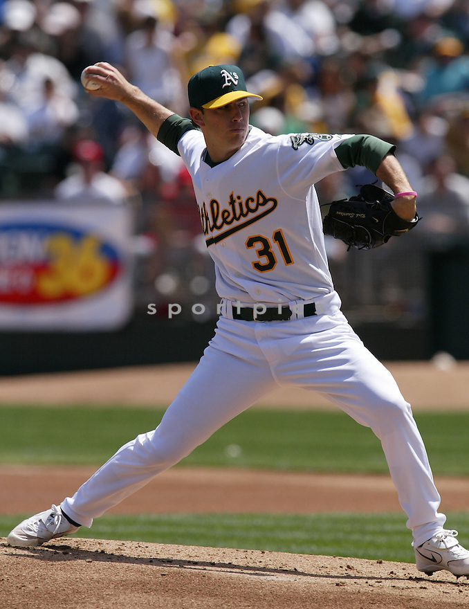 Kirk Saarloos during the Oakland A's v. Los Angeles Angels game on April 16, 2005...A's win 1-0..Rob Holt / SportPics