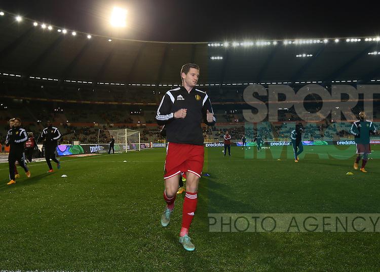 Belgium's Jan Vertonghen warms up<br /> <br /> - European Qualifier - Belgium vs Wales- Heysel Stadium - Brussels - Belgium - 16th November 2014  - Picture David Klein/Sportimage