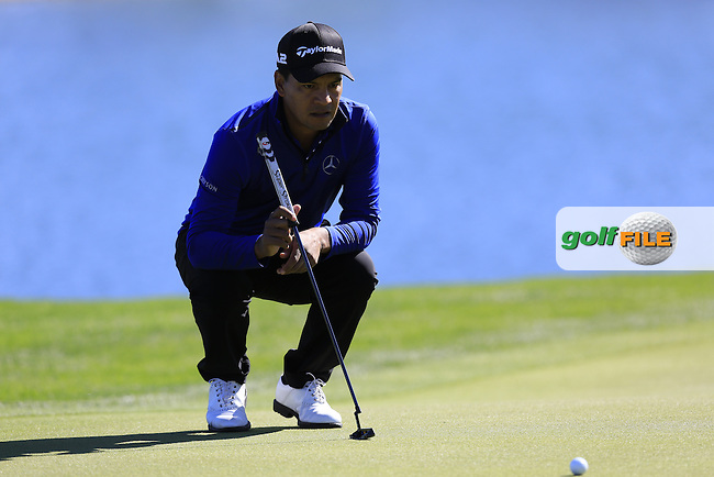 Fabian Gomez (ARG) on the 18th green during Saturday's Round 3 of the 2017 CareerBuilder Challenge held at PGA West, La Quinta, Palm Springs, California, USA.<br /> 21st January 2017.<br /> Picture: Eoin Clarke | Golffile<br /> <br /> <br /> All photos usage must carry mandatory copyright credit (&copy; Golffile | Eoin Clarke)