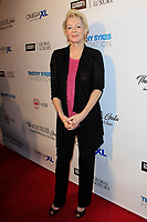 BEVERLY HILLS - NOV 11: Jean Smart at AMT's 2017 D.R.E.A.M. Gala benefiting Autism Works Now at Montage Beverly Hills on November 11, 2017 in Beverly Hills, California