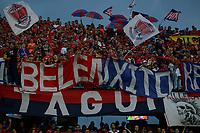 MEDELLÍN - COLOMBIA, 17-02-2018: Hinchas del Medellín animan a su equipo durante el partido entre Independiente Medellín y Deportivo Cali por la fecha 4 de la Liga Águila I 2018 jugado en el estadio Atanasio Girardot de la ciudad de Medellín. / Fans of Medellin cheer for their team during match between Independiente Medellin and Deportivo Cali for the date 4 of the Aguila League I 2018  at Atanasio Girardot stadium in Medellin city. Photo: VizzorImage/ León Monsalve / Cont