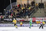 Stockholm 2013-12-30 Bandy Elitserien Hammarby IF - Broberg S&ouml;derhamn IF :  <br /> Broberg S&ouml;derhamn supportrar p&aring; plats p&aring; Zinkensdamms IP<br /> (Foto: Kenta J&ouml;nsson) Nyckelord:  supporter fans publik supporters