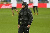 Bundestrainer Joachim Loew (Deutschland Germany) ist bedient wegen dem Wetter - 04.10.2017: Deutschland Abschlusstraining, Windsor Park Belfast