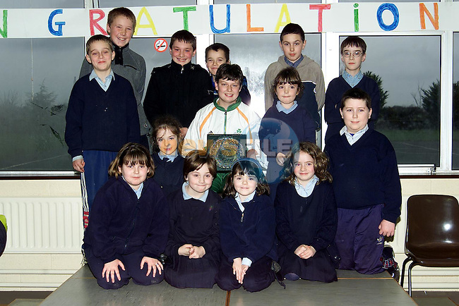 Lisa Callaghan with pupils from Duleek Girls and Boys National Schools..Picture: Paul Mohan/Newsfile