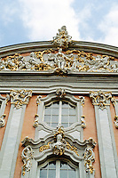 Trier: Baroque Palace facade. Photo '94.