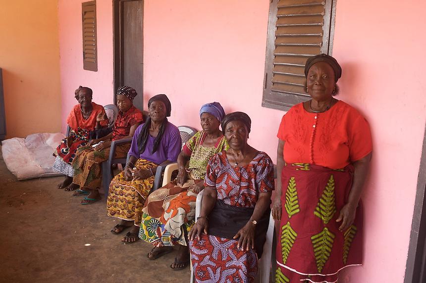 Women from a Ghanaian king's family, Ghana.