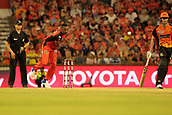 8th January 2018, The WACA, Perth, Australia; Australian Big Bash Cricket, Perth Scorchers versus Melbourne Renegades; Dwayne Bravo of the Melbourne Renegades bowls during the Scorchers innings