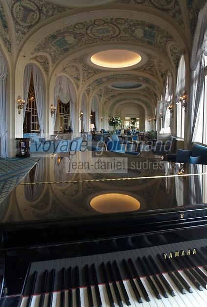 Europe/France/Rhône-Alpes/74/Haute Savoie/ Evian:  Royal Hôtel les Salons Belle-Epoque