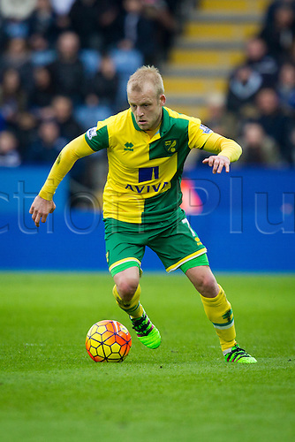 27.02.2016. King Power Stadium, Leicester, England. Barclays Premier League. Leicester City versus Norwich City. Steven Naismith of Norwich City on the ball.