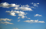 A87BY7 Cumulus clouds in blue sky